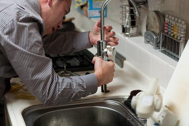 La guida per principianti all'impianto idraulico della cucina
